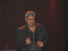 Is taylor hicks married or dating allen 2019
