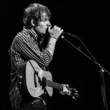 5c14701d43b939 expand Ed Sheeran live.