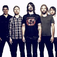 11eedbdf068 expand Foo Fighters live.