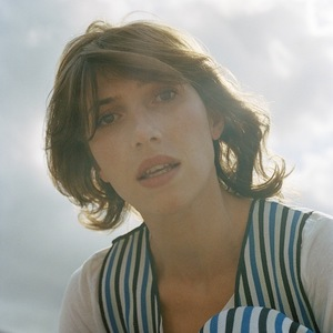 Aldous Harding on tour.