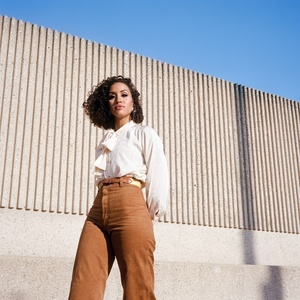 Kadhja Bonet on tour.